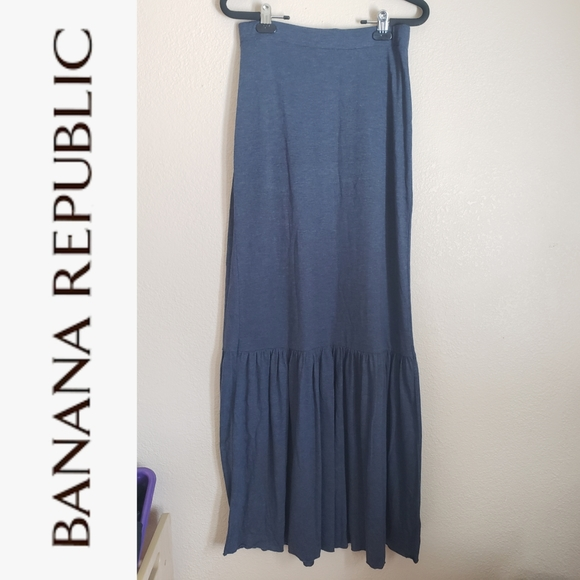 🍁Banana Republic Maxi Skirt